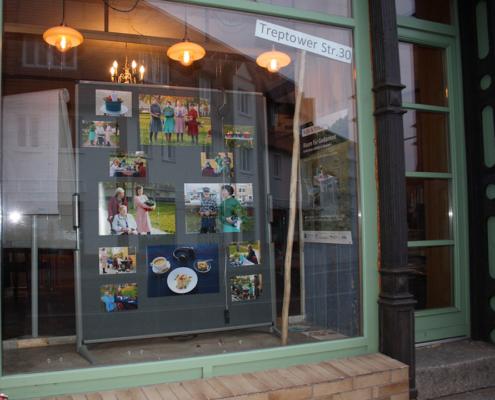 Bild Ansicht T30-Laden - Schaufenster linke Seite