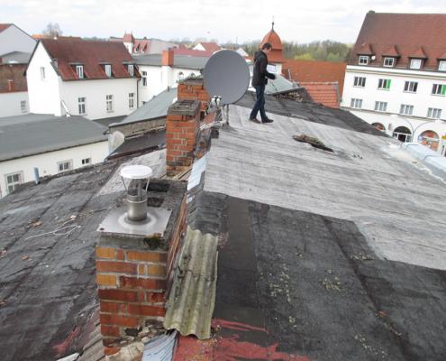 Bild Ansicht Vorderhaus Dach 2016