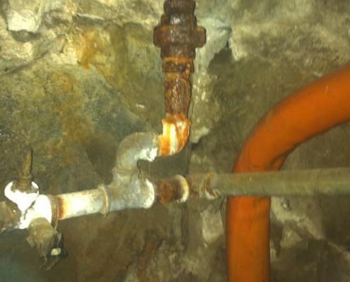 Bild Ansicht Vorderhaus Wasserleitungen 2016